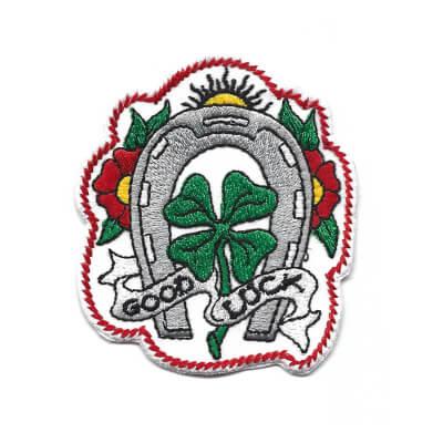 emblema Trevo Good Luck