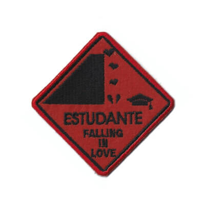 emblema estudante falling in love