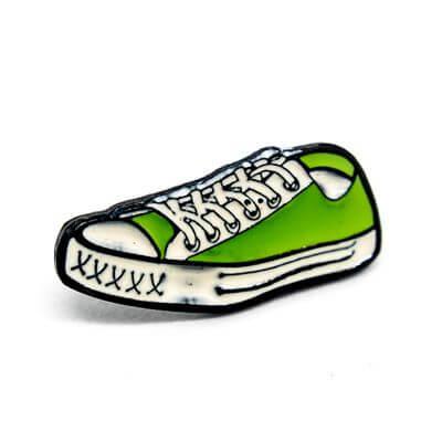 pin tenis verde